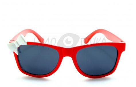 Солнцезащитные детские очки OLO polarized P377 в красной оправе